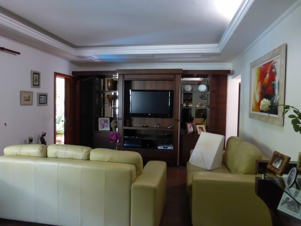 Casa de 4 dormitórios em Jardim Prudência, São Paulo - SP