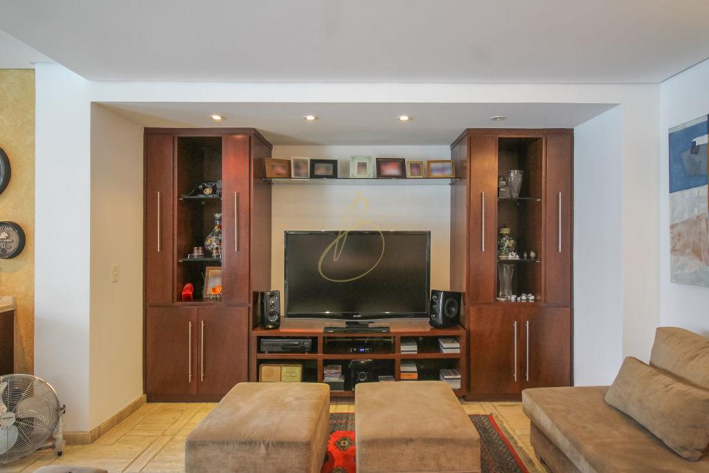 Casa de 5 dormitórios à venda em Moema, São Paulo - SP