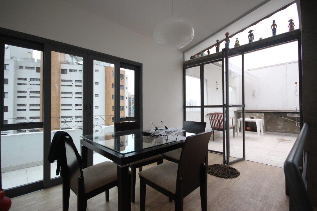 Cobertura de 2 dormitórios em Campo Belo, São Paulo - SP