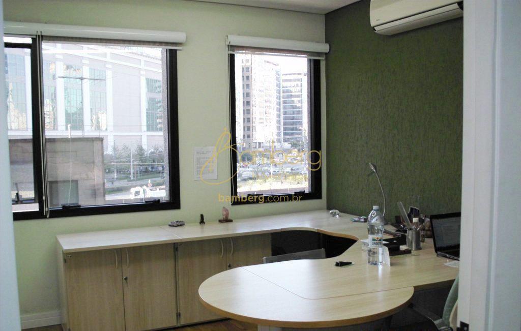 Conjunto Comercial/sala à venda em Vila Olimpia, São Paulo - SP