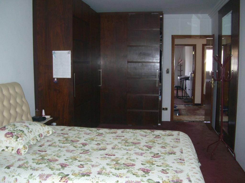 Casa de 4 dormitórios à venda em Vila Arriete, São Paulo - SP