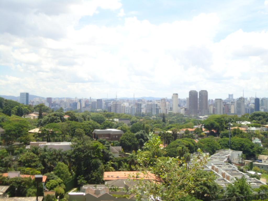 Apartamento de 4 dormitórios em Cidade Jardim, São Paulo - SP