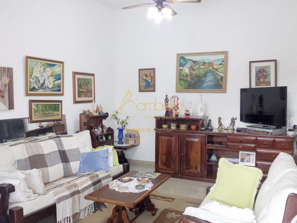 Casa de 3 dormitórios à venda em Interlagos, São Paulo - SP