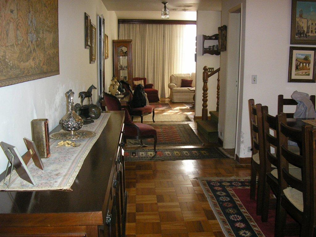 Casa de 3 dormitórios em Vila Nova Conceição, São Paulo - SP