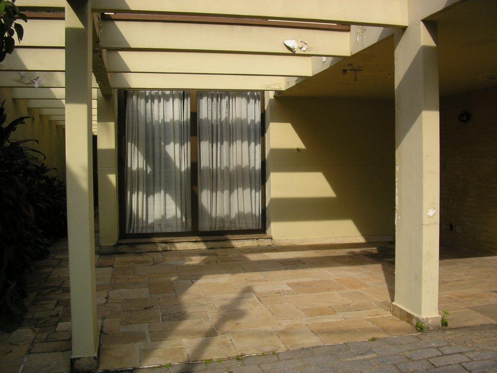 Casa de 3 dormitórios à venda em Vila Nova Conceição, São Paulo - SP