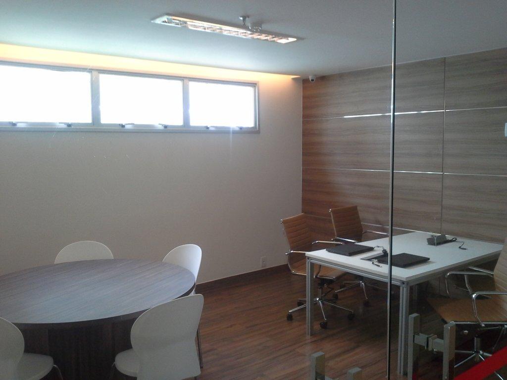 Conjunto Comercial de 1 dormitório em Aguas Claras Sul, Águas Claras - DF