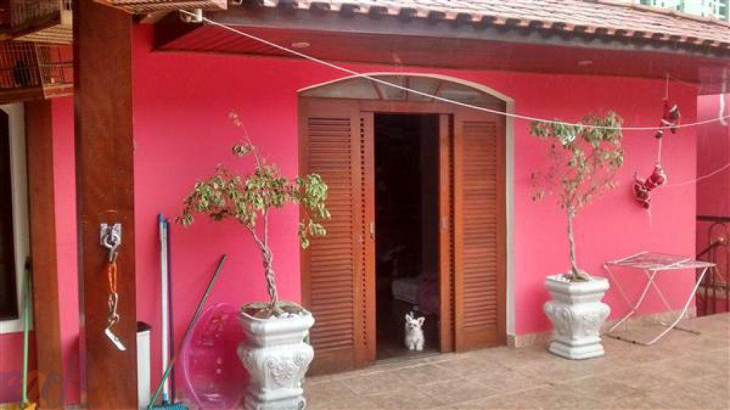 Casa de 3 dormitórios em Vila Pedra Branca, São Paulo - SP