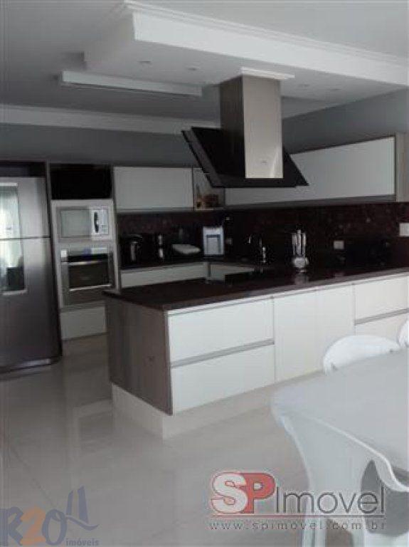 Casa de 4 dormitórios em Jardim Tremembé, São Paulo - SP