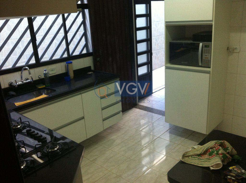 Casa Padrão à venda, Vila Bertioga, São Paulo