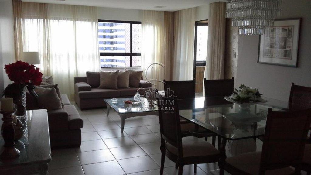Apartamento no Condomínio Biarritz Plaza