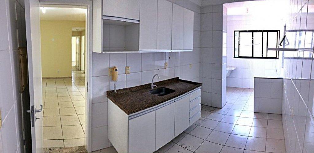 Apartamento no Condomínio Edifício Victoria Tower
