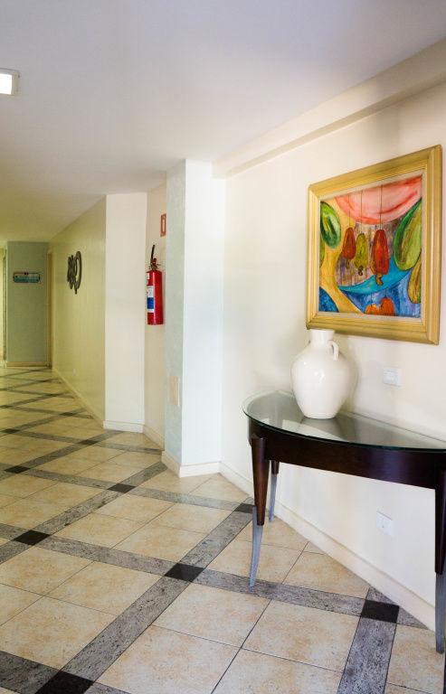Apartamento no Condomínio Maison Champs Elysees