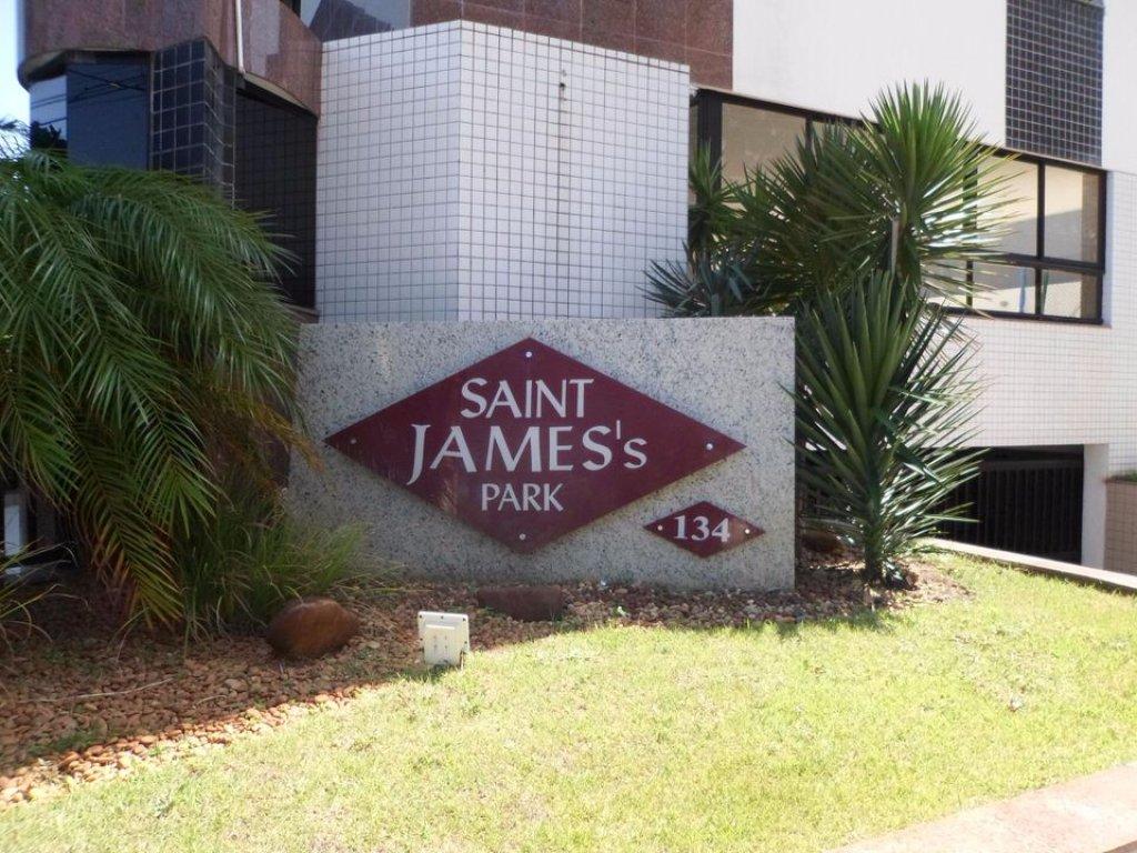 Apartamento no Condomínio Saint James Park