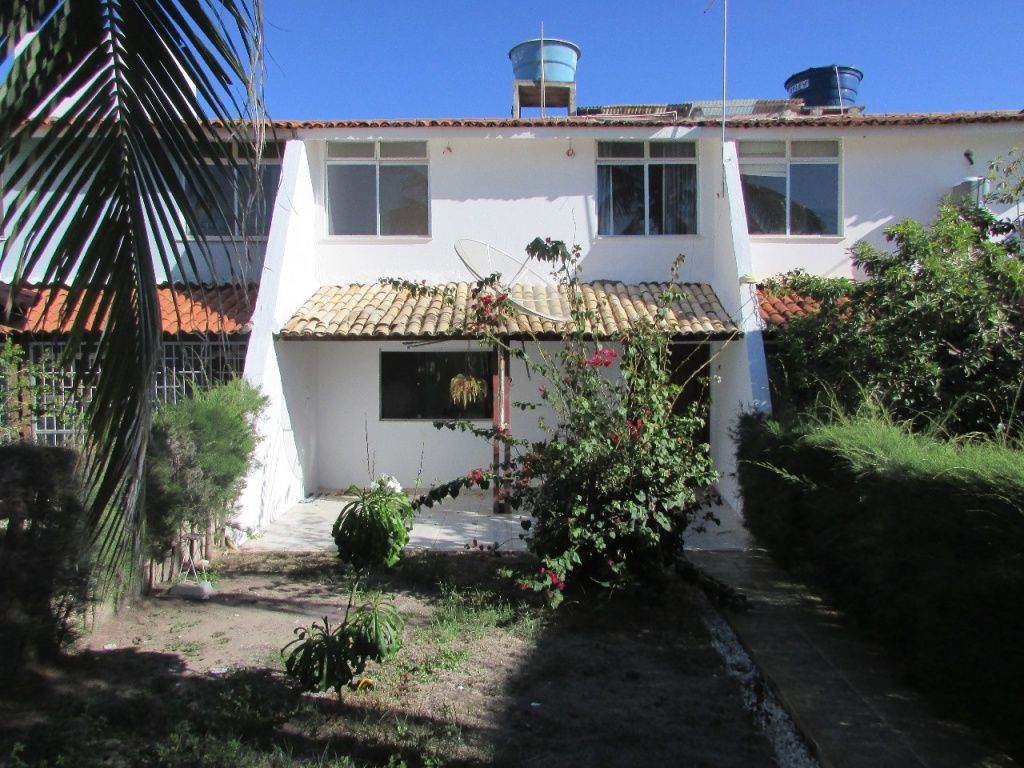 CASA NO COND. PRAIA DO REFUGIO NO ROBALO