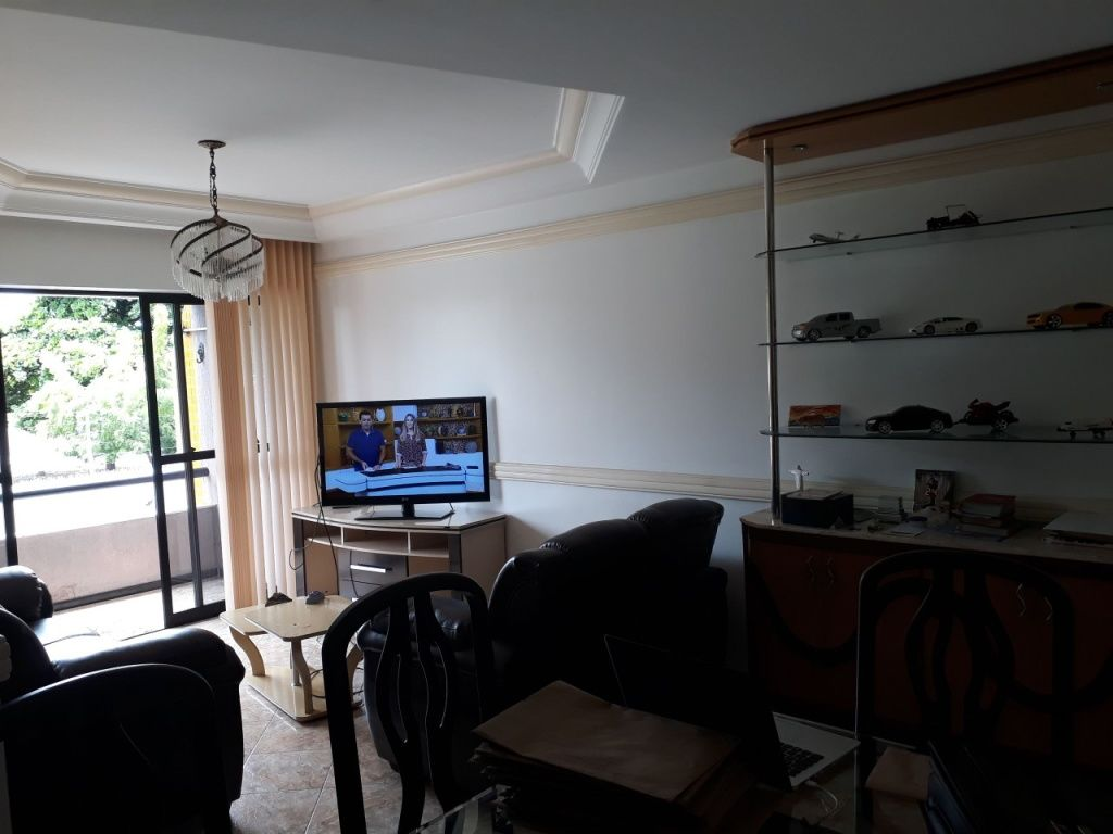 Apartamento no condomínio Costa Esmeralda, Bairro: Grageru