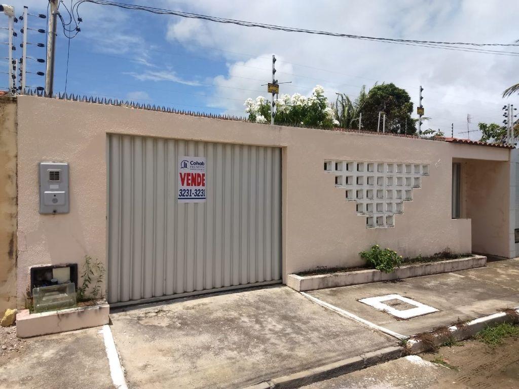 CASA NO BAIRRO ARUANA, HORTO DO CARVALHO 2