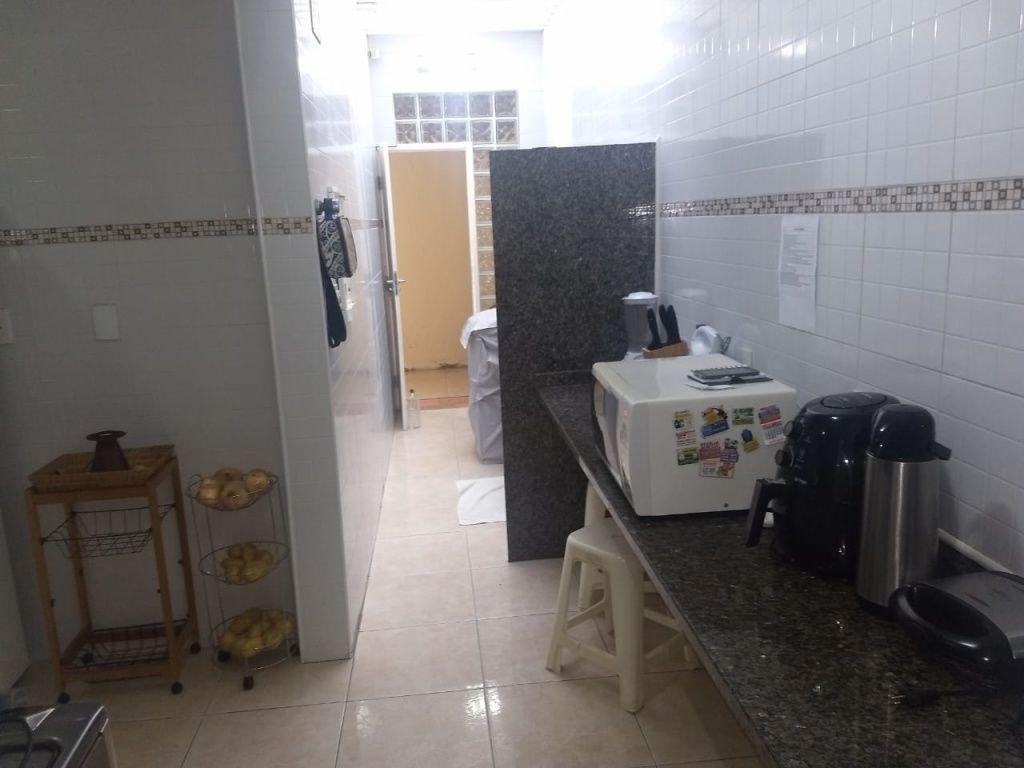 CASA NO BAIRRO: COROA DO MEIO, PROX. À ORLA