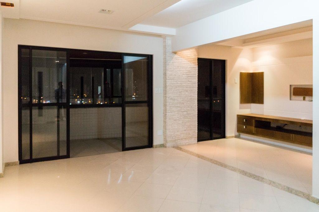 Apartamento no Condomínio Laguas di Veneza
