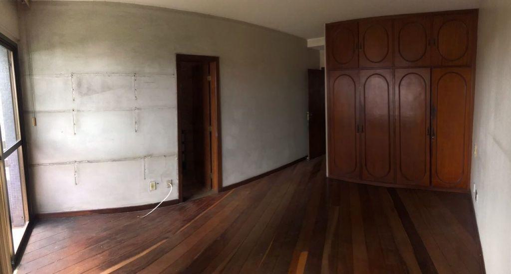APART. NO COND. ROYAL PALACE, BAIRRO: CENTRO