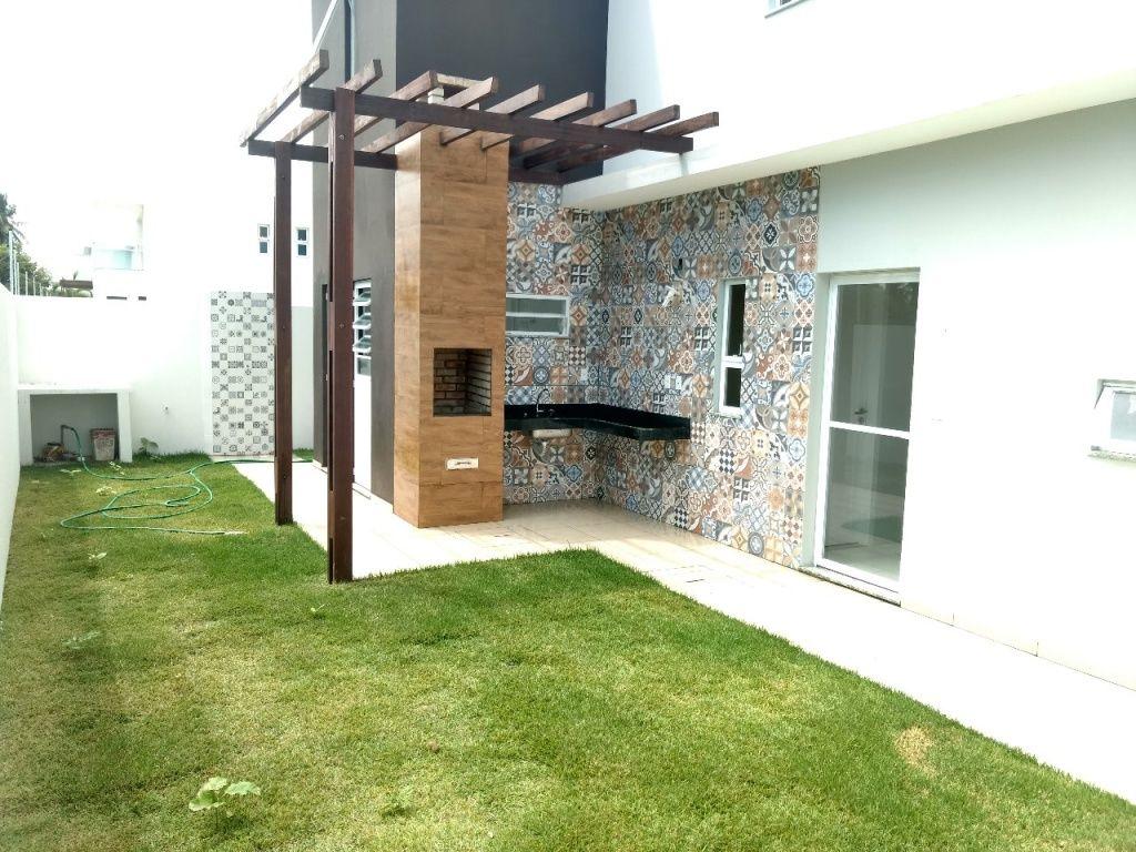 Casa no Cond. Fragata, bairro Aruana