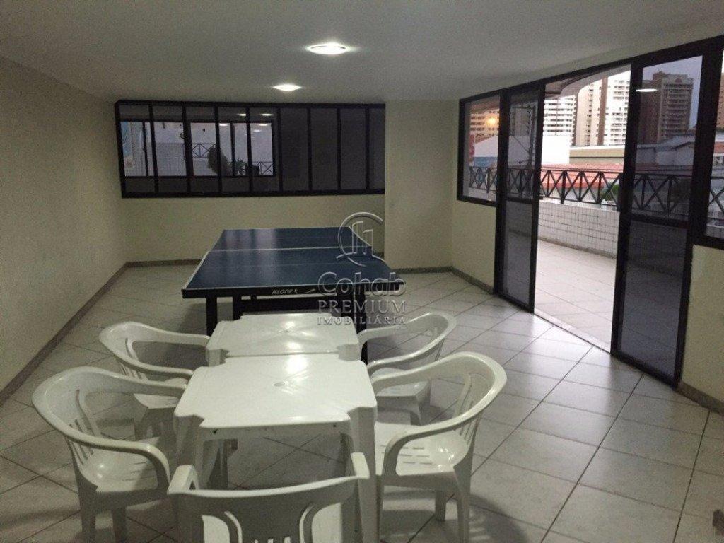 Apartamento no Condomínio Adauto Nicolau de Oliveira