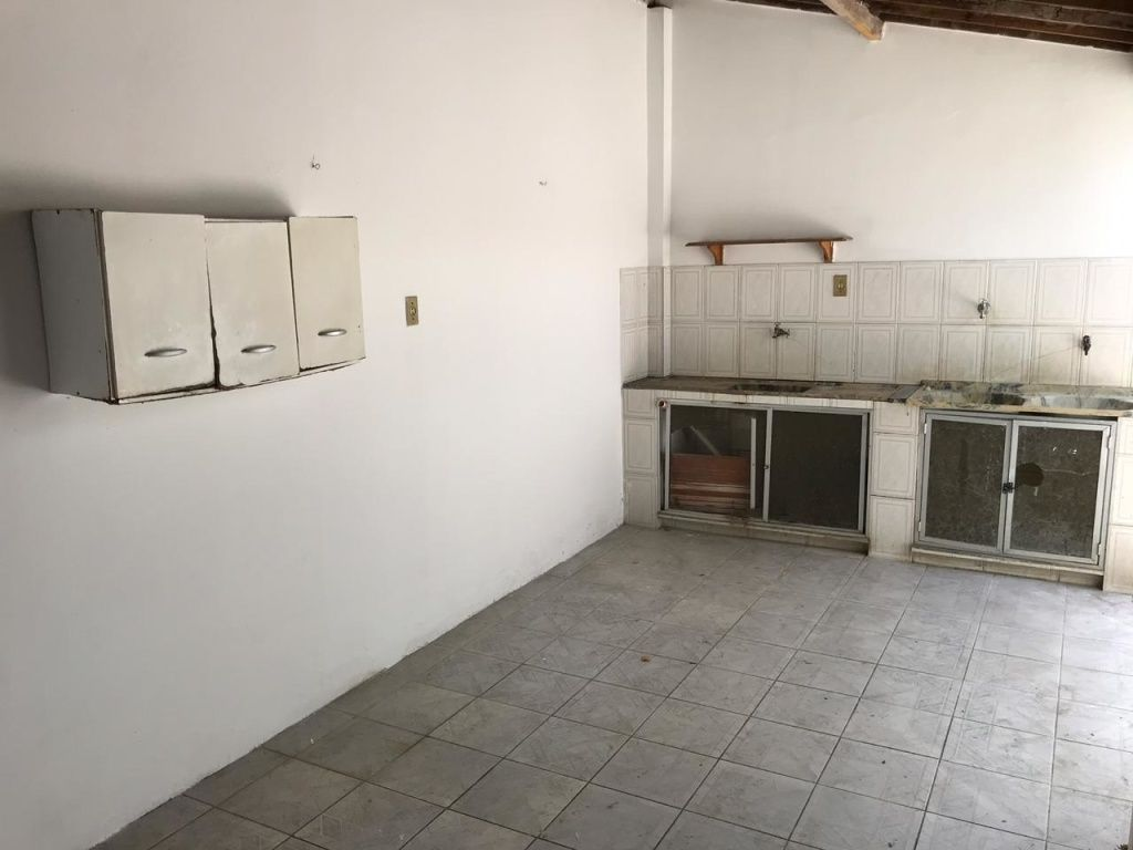 CASA NO BAIRRO AMÉRICA, COM +-171M²