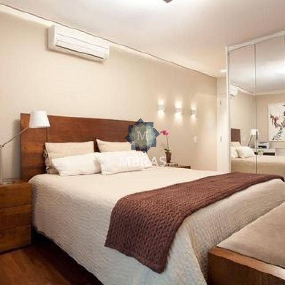 Apartamento de 3 dormitórios à venda em Moema, São Paulo