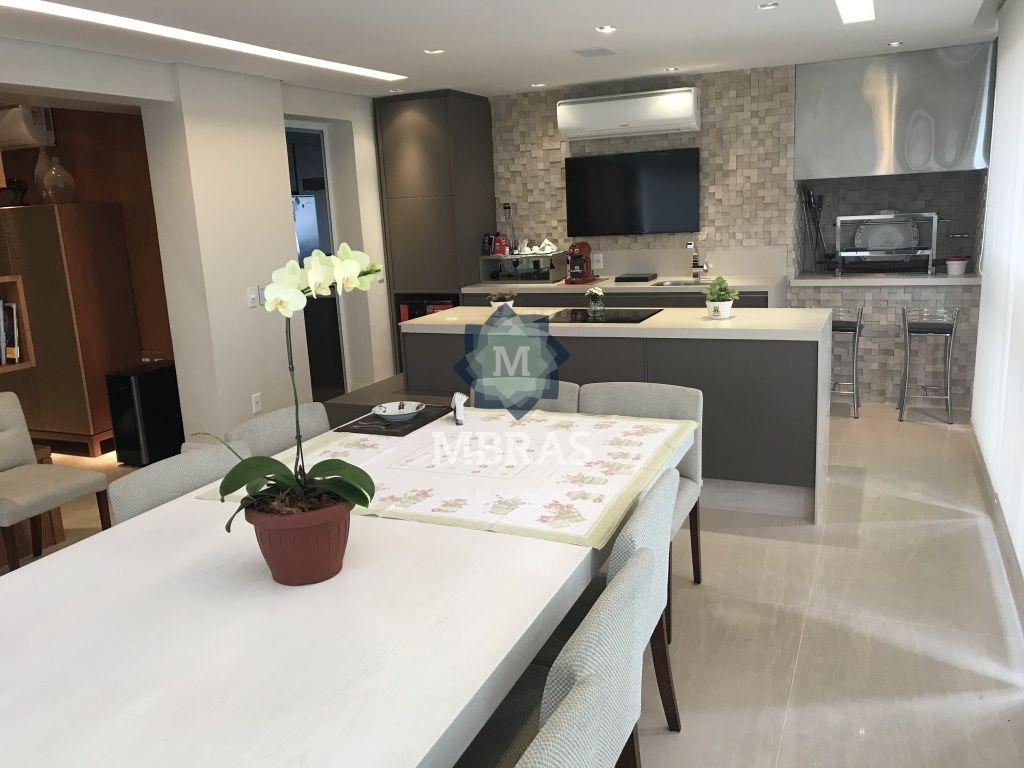 Apartamento de 4 dormitórios à venda em Moema, São Paulo